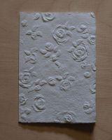 Handgeschöpfte Doppelkarte Rosen geprägt